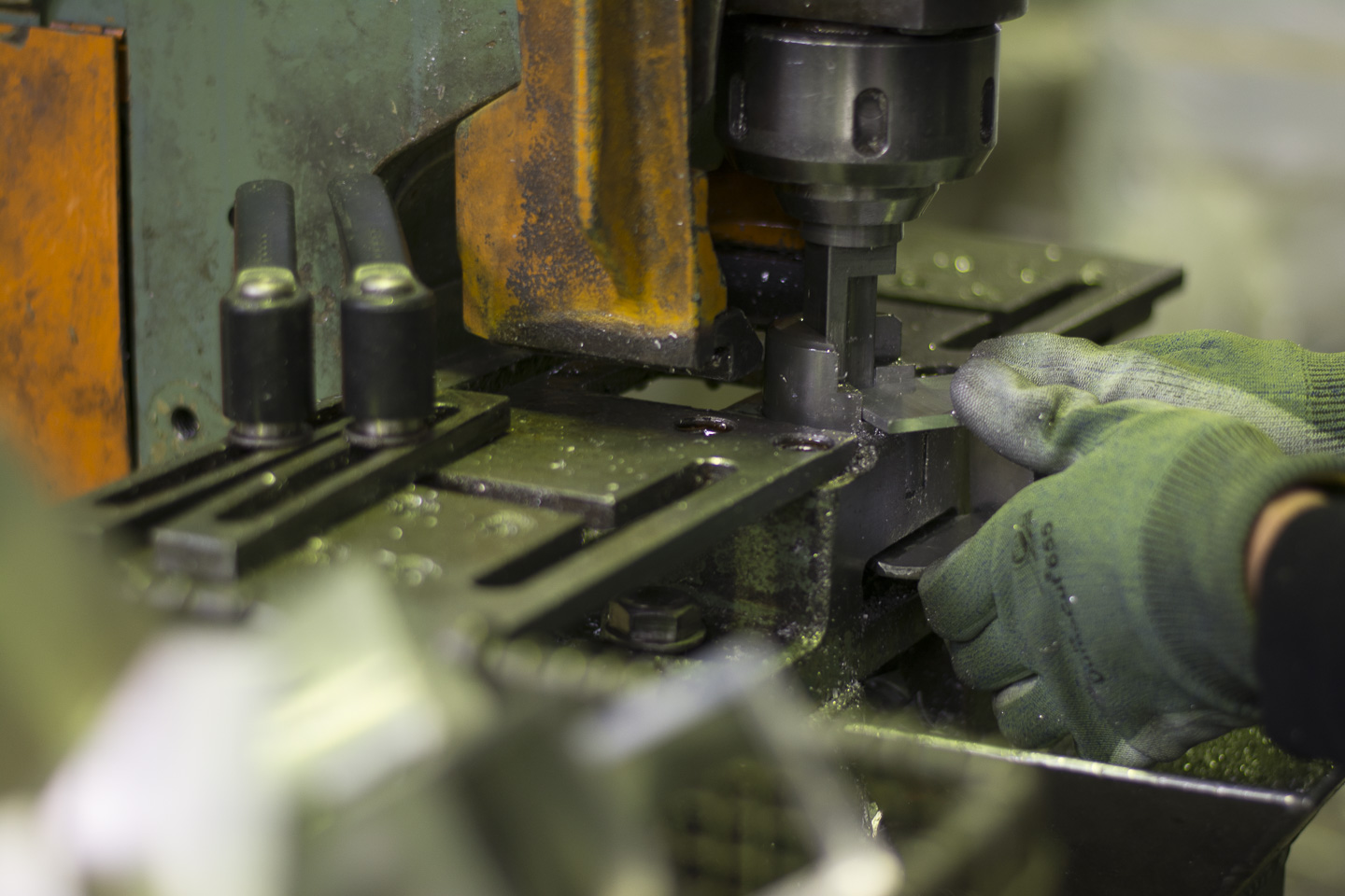 drilling a part for helogoal
